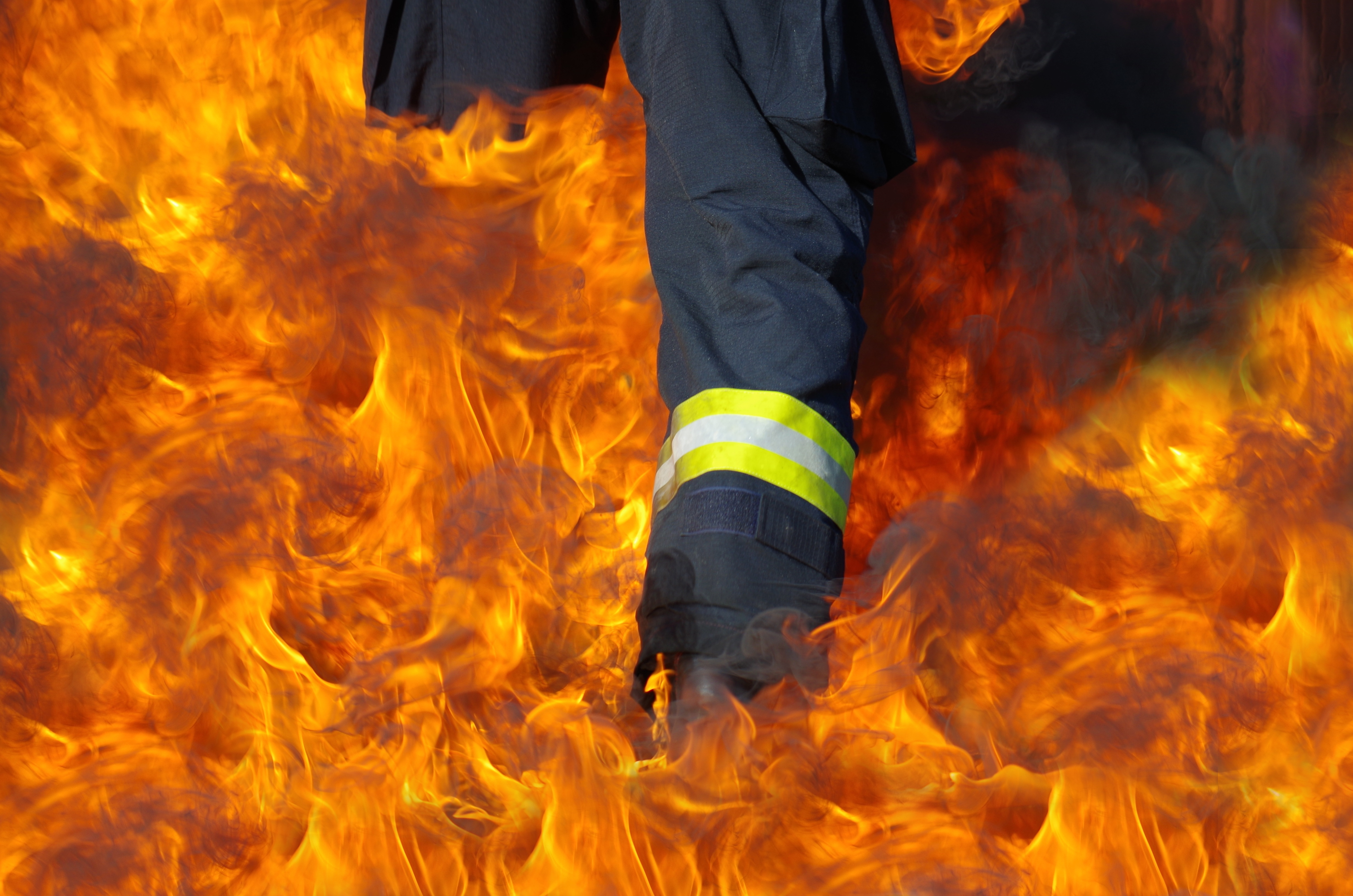 flame-fire-bonfire-hot-fireman-screenshot-to-walk-1036682