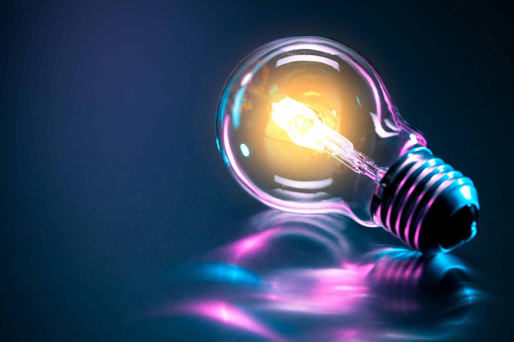 1543387696_bulb-neon-reflection-electric-emitte-rendering-backgound