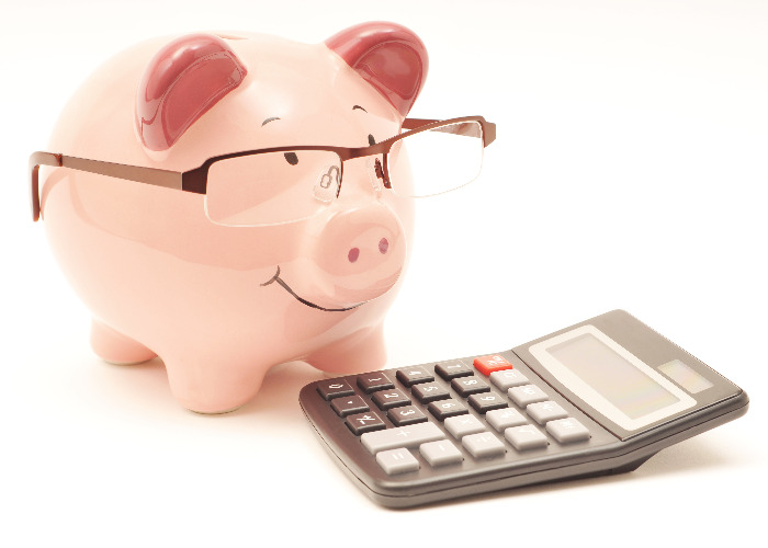piggy-bank-doing-calculations
